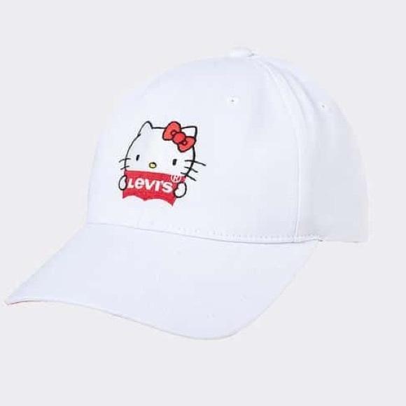 e947421b4 NWT HELLO KITTY x LEVIS Hat NWT
